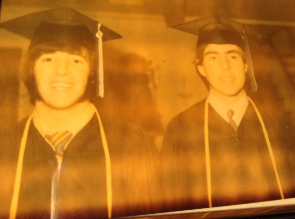 El día que nos graduamos. Con mi hermano Jimmy